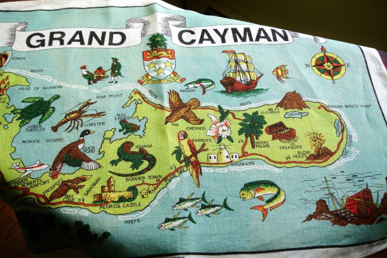 Grand Cayman Vintage Linen Wall hanging, Centerpiece doily, Souvenior of Grand Cayman, Vintage collectible souvenior, Irish Linen by MAISONDELINGE on Etsy