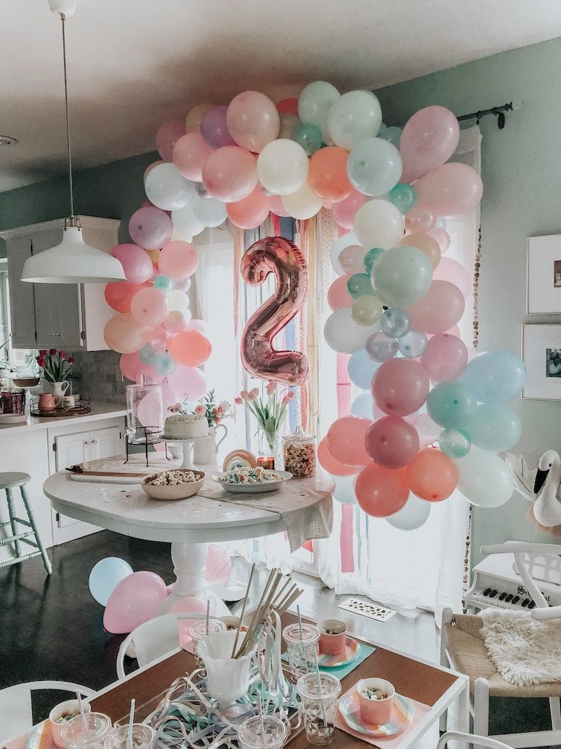 BIRTHDAY PARTY SISTER TABLE CENTREPIECE FOIL  BALLOON DISPLAY