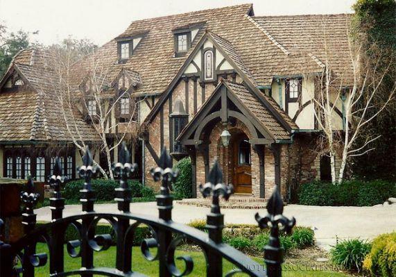 Pasadena Tudor Houses Classic Tudor Style Homes Tutor Style