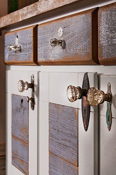 Best Homespun Heirloom Kitchen Base Cabinets Antique 400 x 300