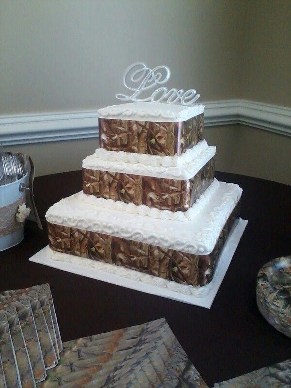 Camo Wedding Cakes.Wedding Cake With Camouflage Ribbon Camo Weddings In 2019 Camo