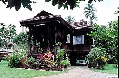 Home design on traditional malay house malaysia photo farmandgardens pinterest malaysia Home architecture malaysia