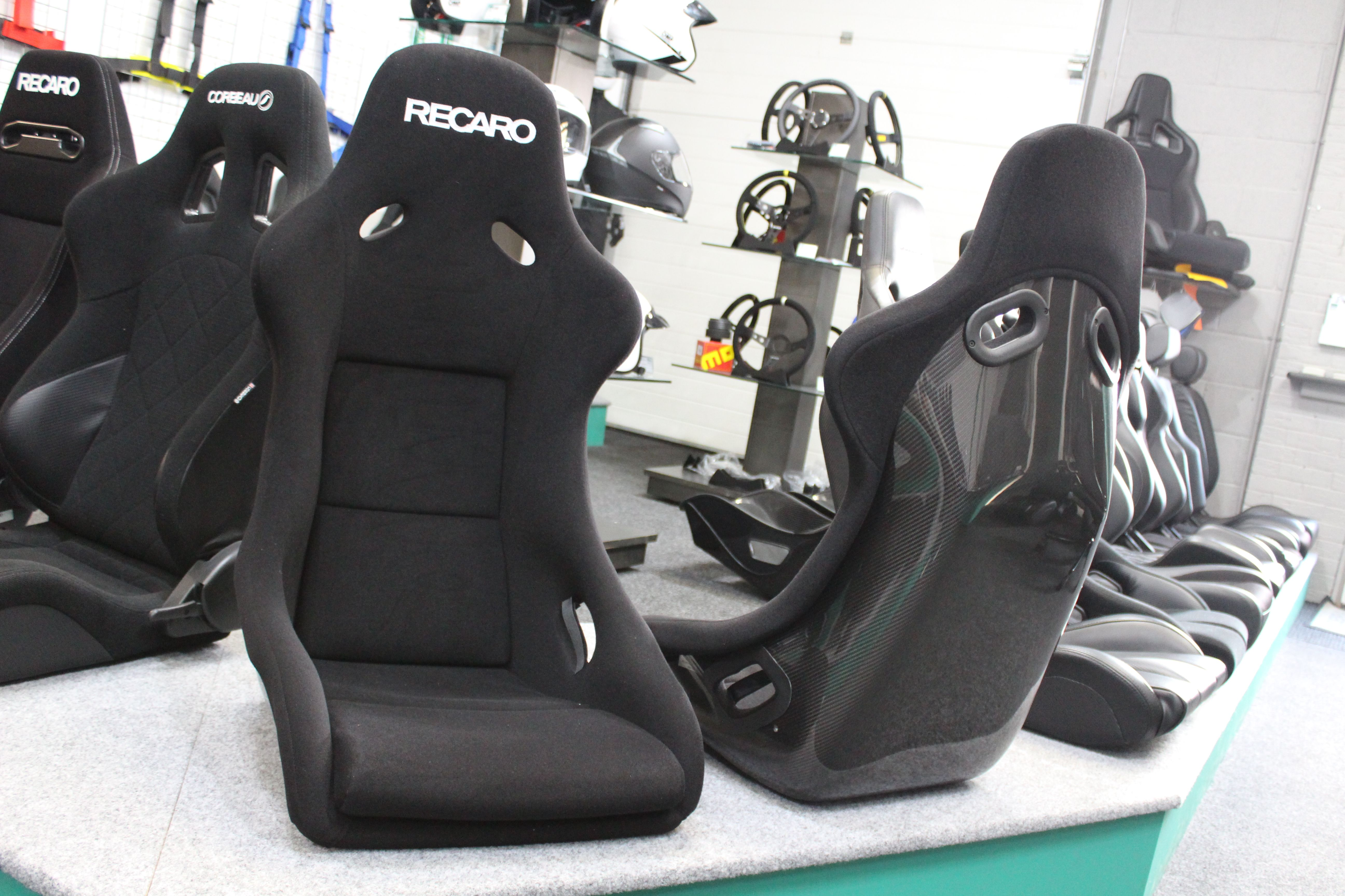carbon recaro seats when quality meets style the carbon. Black Bedroom Furniture Sets. Home Design Ideas