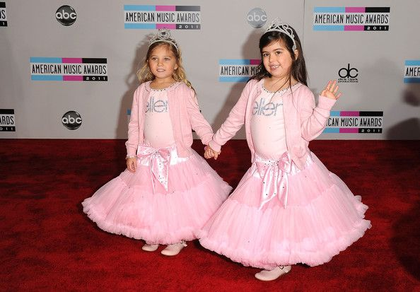 AMA Pictures: Sophia Grace and Rosie Wear Pink Tutus and Tiaras - Sophia Grace Brownlee - Zimbio