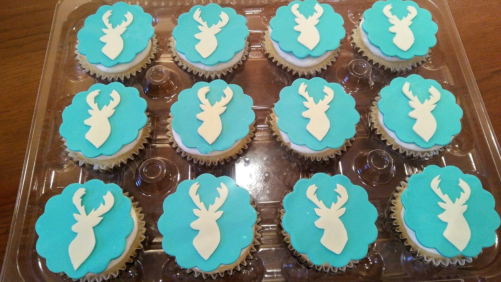 Deer cupcakes. Baby shower blue cupcakes. Baby boy cupcakes ...