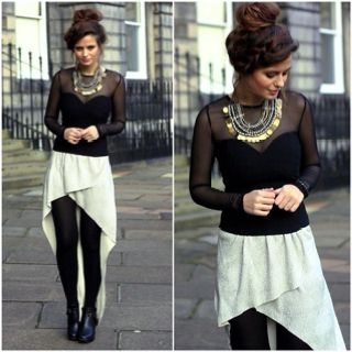 I like this look but I wonder what that skirt is like in use