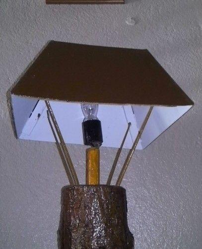 Làmpara rûstica la base es pino natural de Adjuntas