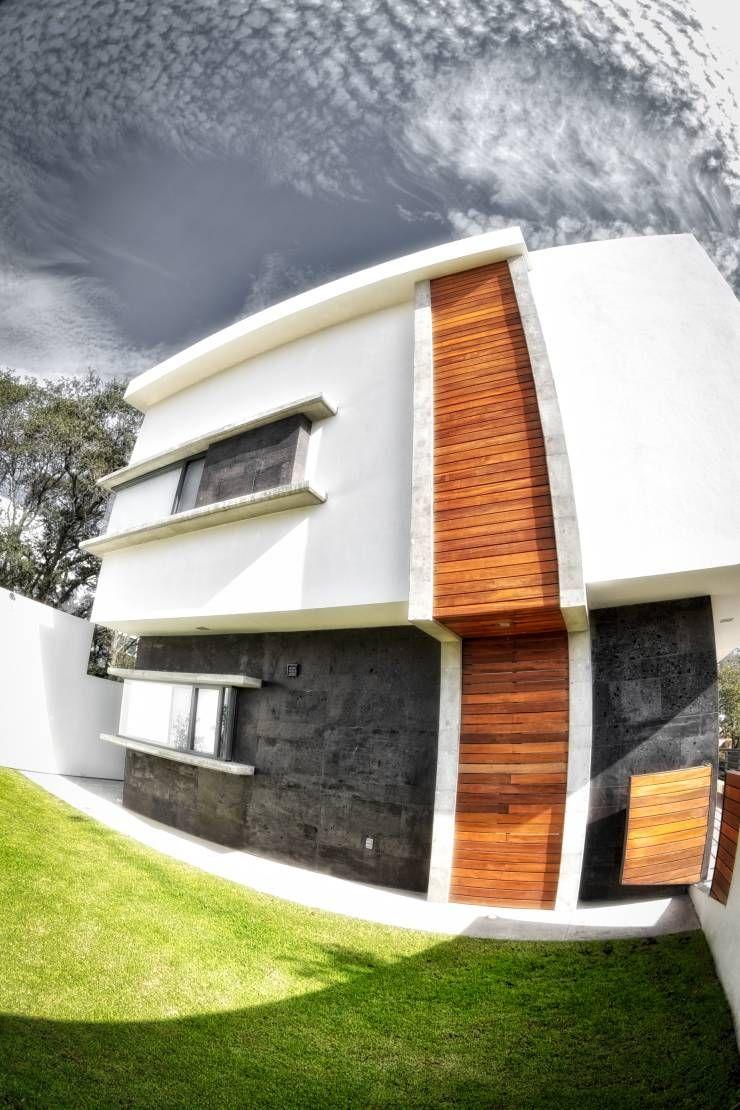 fachada principal: Casas de estilo minimalista por ArqCubo