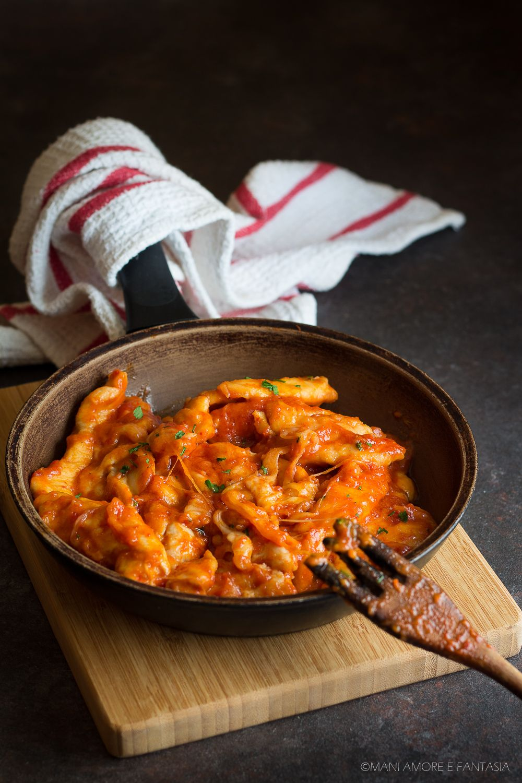 straccetti di pollo pomodoro e mozzarella facili e veloci | idee ...