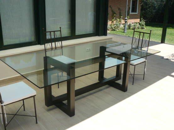 Mesa de comedor de vidrio buscar con google madera for Mesas de comedor cristal y madera