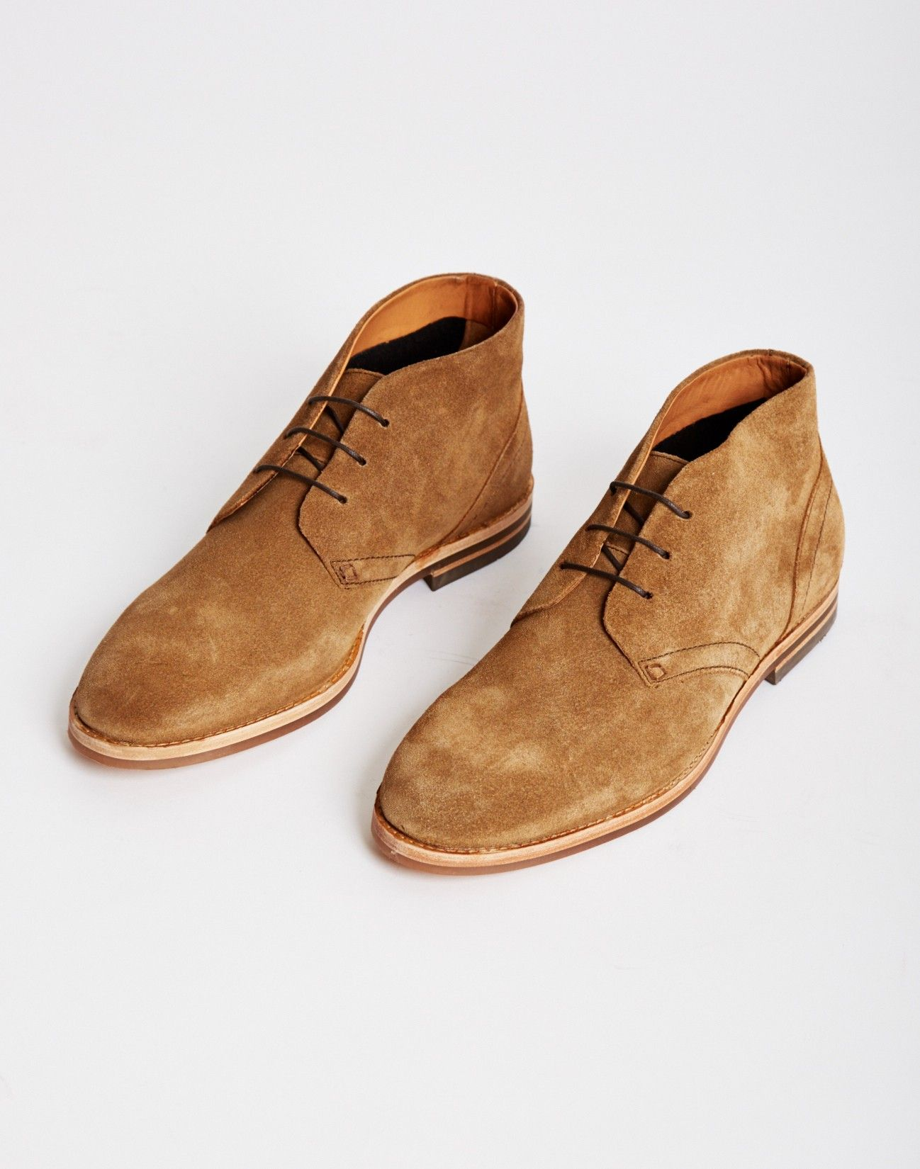 Comfort  Oxford and Finch Men's Chukka Boots Sand