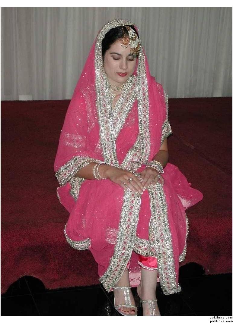 Khada dupatta from hyderabad *_* this is soo pretty! I definately ...