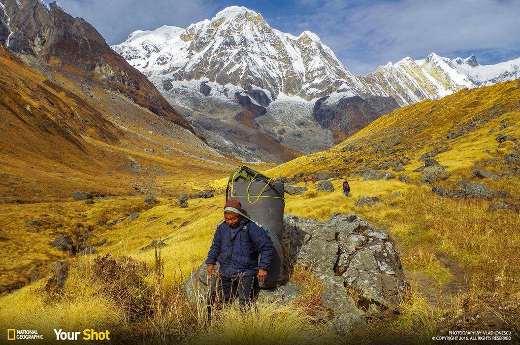 [ARTICLE] @NatGeoPhotos : Top Shot: On the Way to Annapurna https://t.co/QLQqL6k4Ko #YourShot https://t.co/iGjvLziOL8