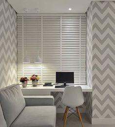 Padronagem se revela como recurso que promove toque especial a composição de Office, destacado por iluminação pontual em grandes efeitos.