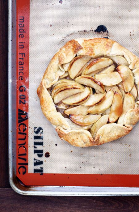 caramel apple galette | by @Jane Maynard at thisweekfordinner.com #thanksgiving