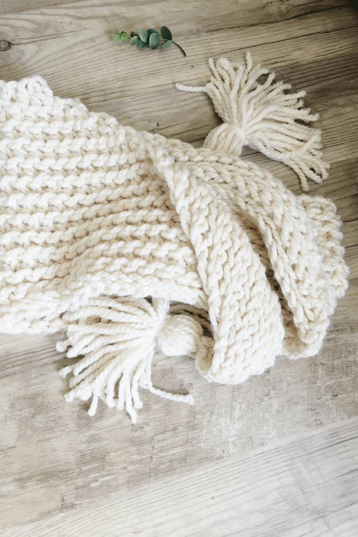 An Easy Crochet Triangle Scarf Pattern That\'s Great For Beginners ...