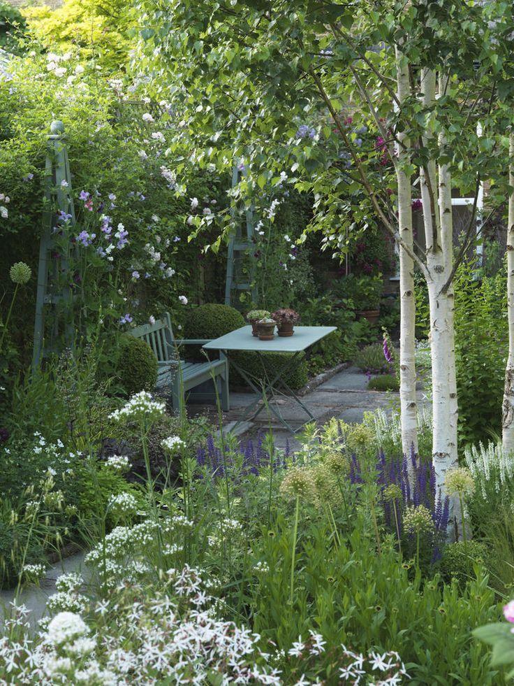 gardening seating area in garden garten balkon pinterest garten garten ideen und. Black Bedroom Furniture Sets. Home Design Ideas