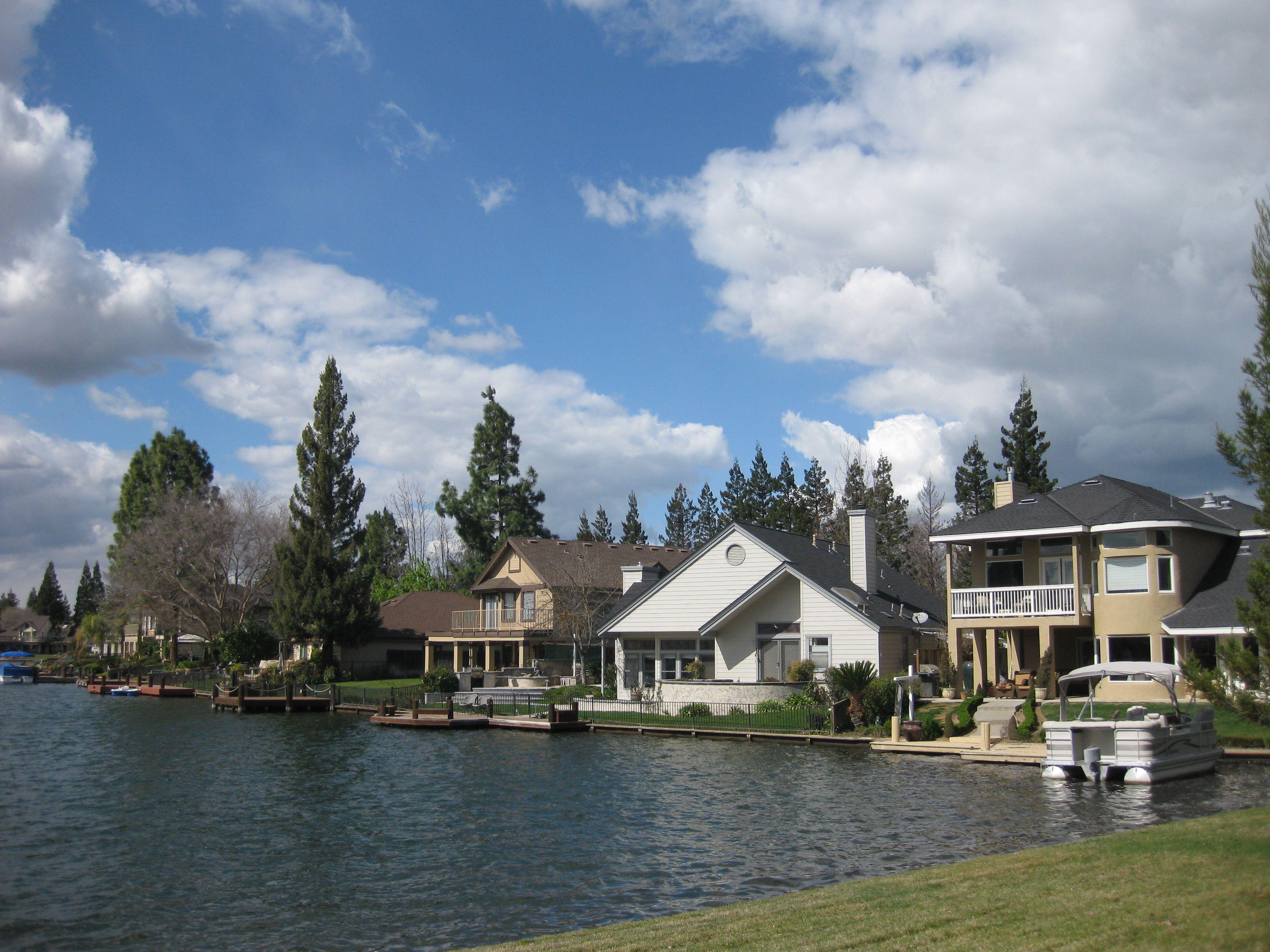 Woodward Lake Fresno Ca Qualityinnfresno Fresno California
