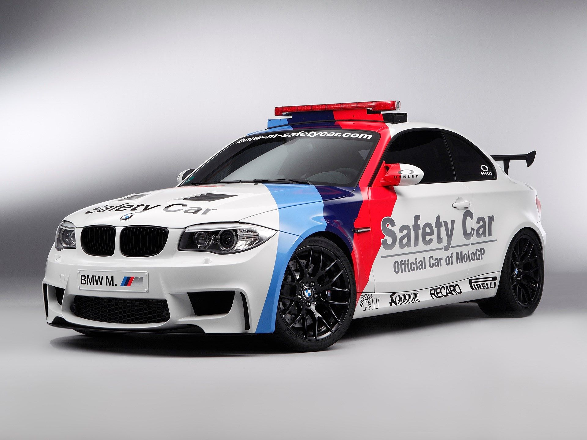 Bmw 5 series touring police 2013 uk wallpapers and hd images car - Backgrounds In High Quality Bmw E34 Wallpaper Bmw E34 Category Ololoshenka Pinterest Bmw