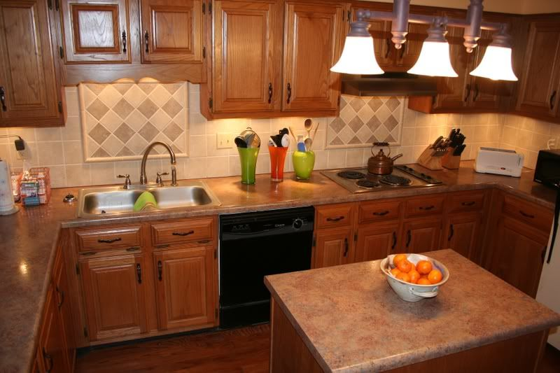Tile Backsplash Granite Countertop Oak Colored Cupboards Re