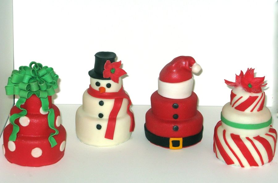 Holiday mini cakes