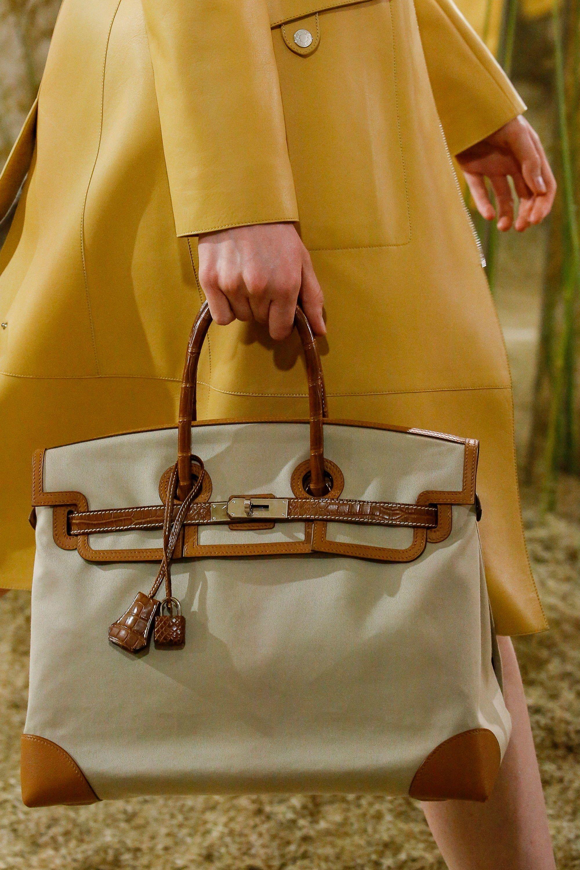 Hermès Resort 2019 Fashion Show   Purses   Pinterest   Mode c777e77a076