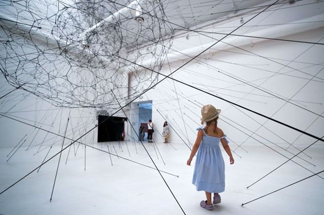 Tomás Saraceno / Tomás Saraceno makes amazing bucky ball like structures with black string and lots of imagination.