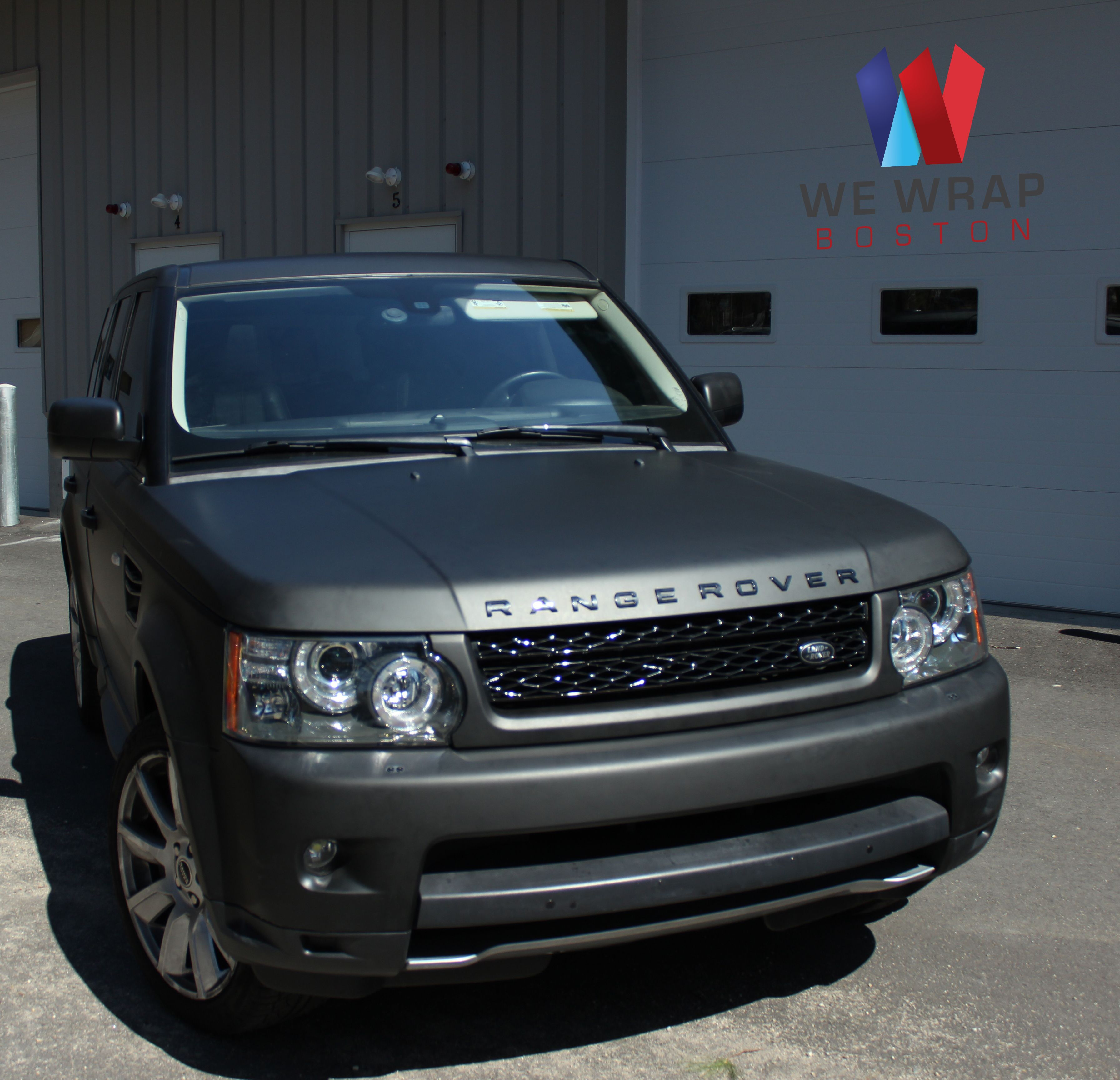 We ve got a matte black range rover on xo luxury wheels for you next like the look see more great rides www youlikecars co uk land rover cars