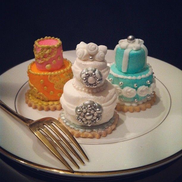 Best 25+ Rehearsal dinner cake ideas on Pinterest ...