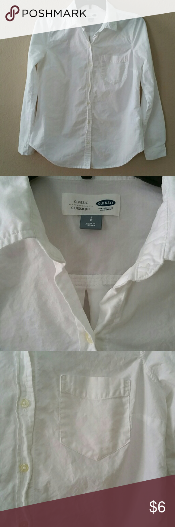 White dress shirt in great condition - size S Classic Old Navy dress shirt in great condition, no tears or stains, just need to be iron a little! One front pocket on the left, buttons all the way up and one button on each sleeve. 100% cotton Old Navy Tops Button Down Shirts