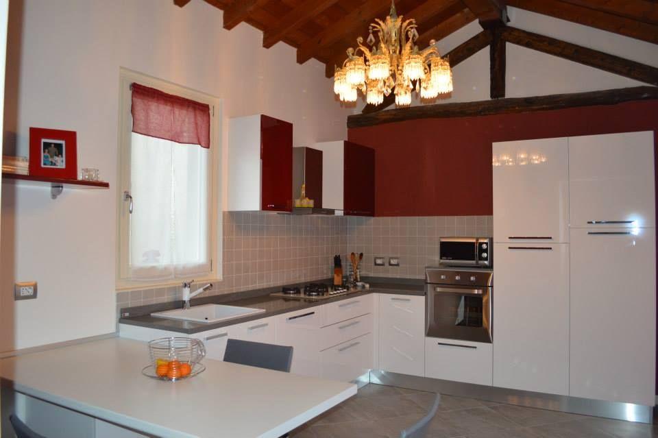 Cucina LUBE a Brescia modello Martina polimerico lucido. APERTURA ...