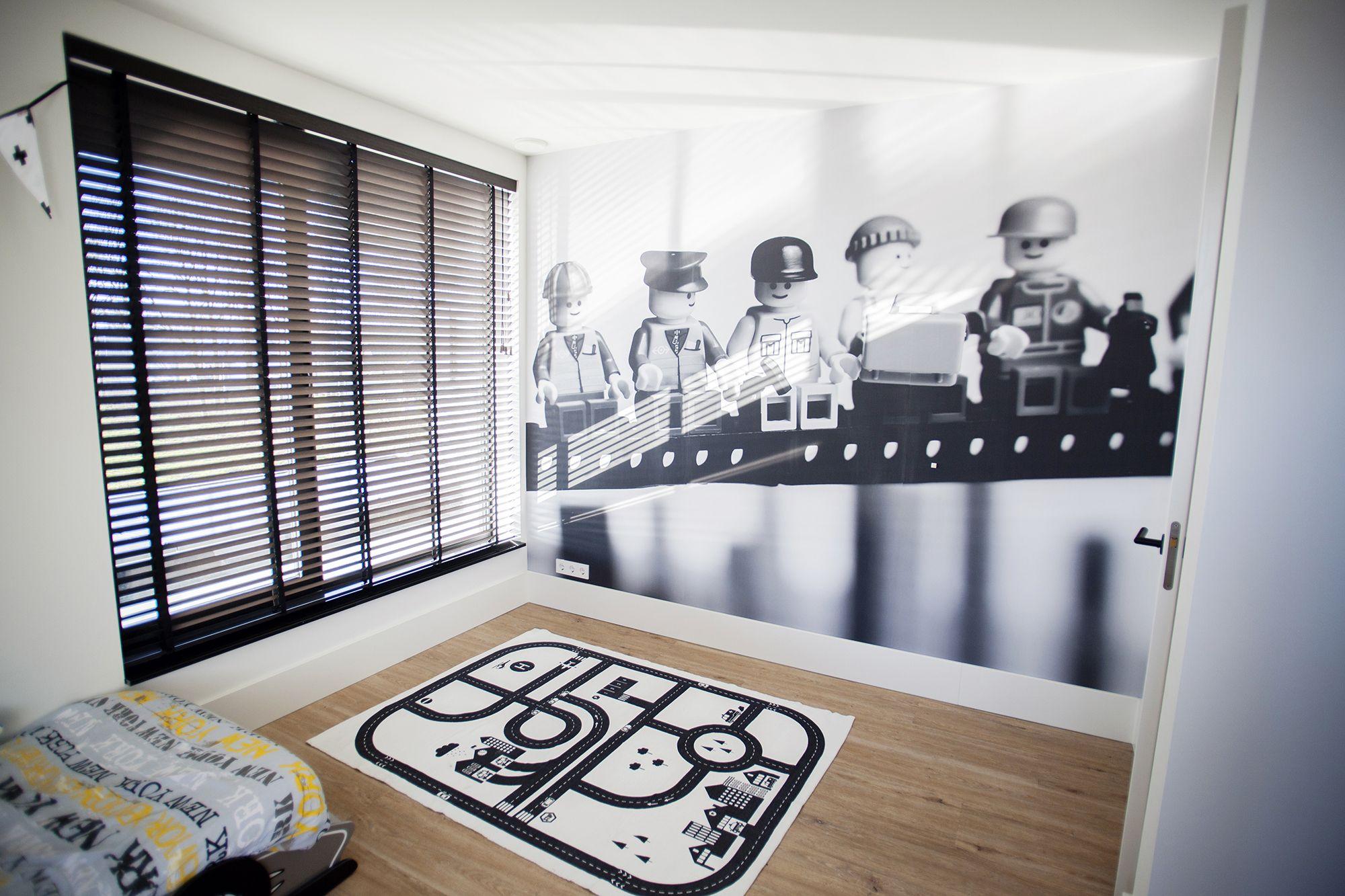 8x Minimalistische Kinderkamers : Gaaf fotobehang #lego #fotobehang #kinderkamer #panelprint.nl