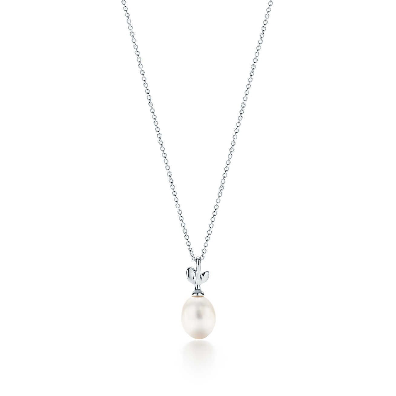 2b993e23eea03c Paloma Picasso®:Olive Leaf Pearl Pendant/ I personally own this piece and  it's stunning to look at!