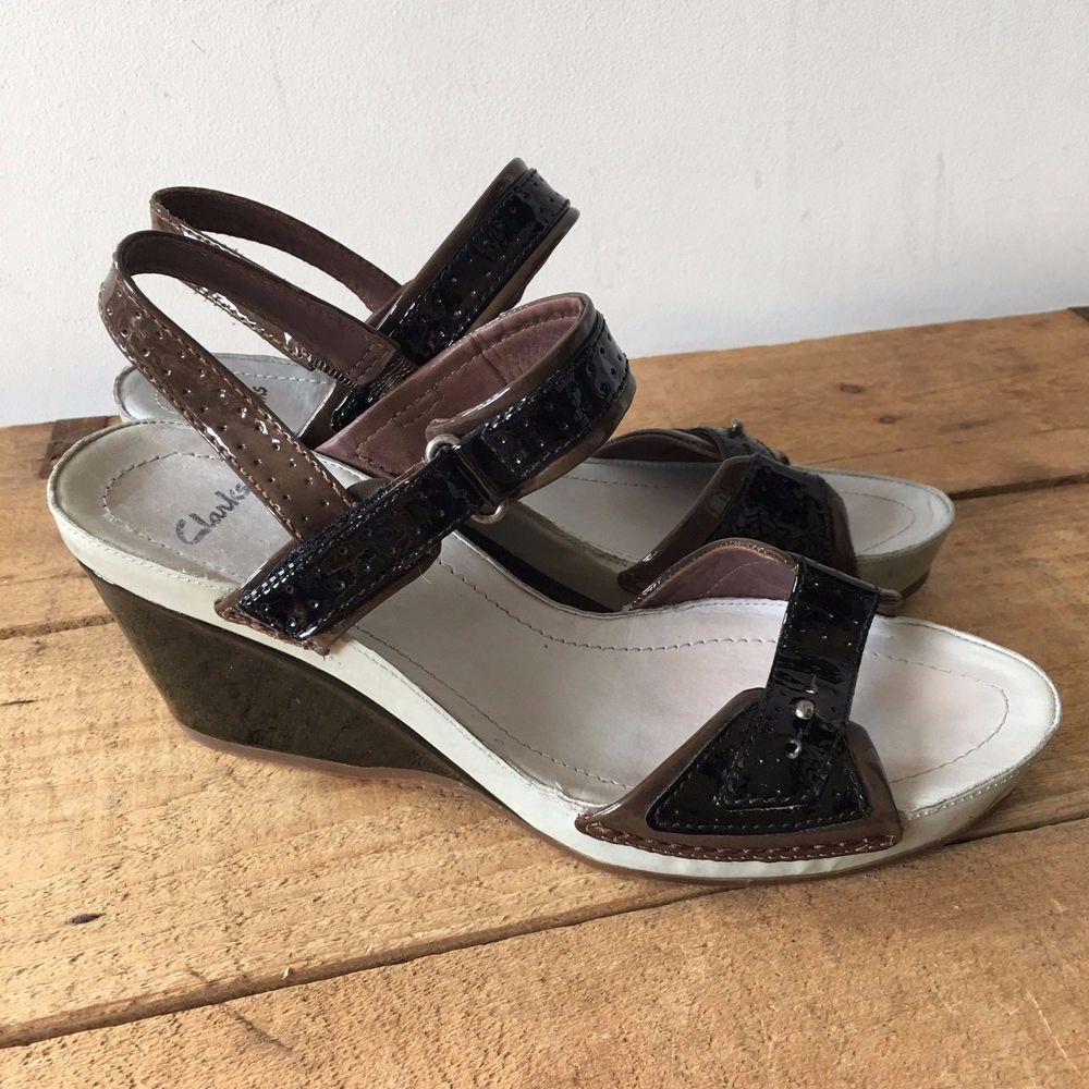184f4dc8acf83 UK SIZE 6 WOMENS CLARKS GREY BLACK BROWN PATENT WEDGE HEELS SANDALS  Clarks   StrappyWedges