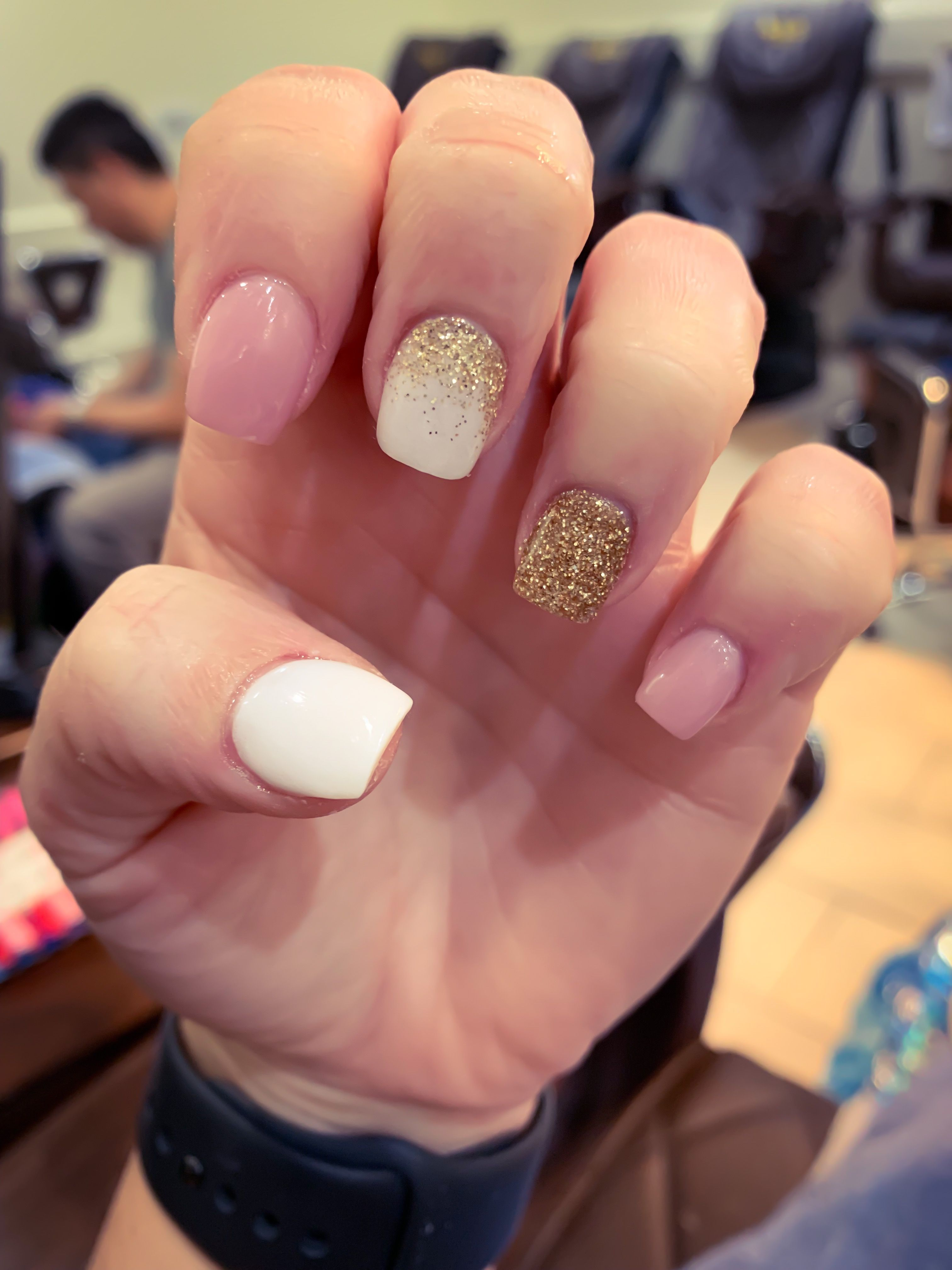 Pink White Gold Glitter Nails Ombre Nails Summernails Beauty Pink Gold Nails White Nails With Gold Gold Glitter Nails