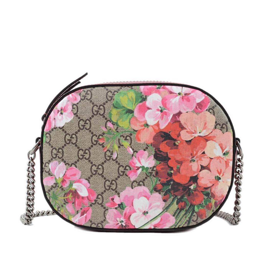 The Gucci Blooms Gg Supreme Mini Chain Bag Is A Staff Fave