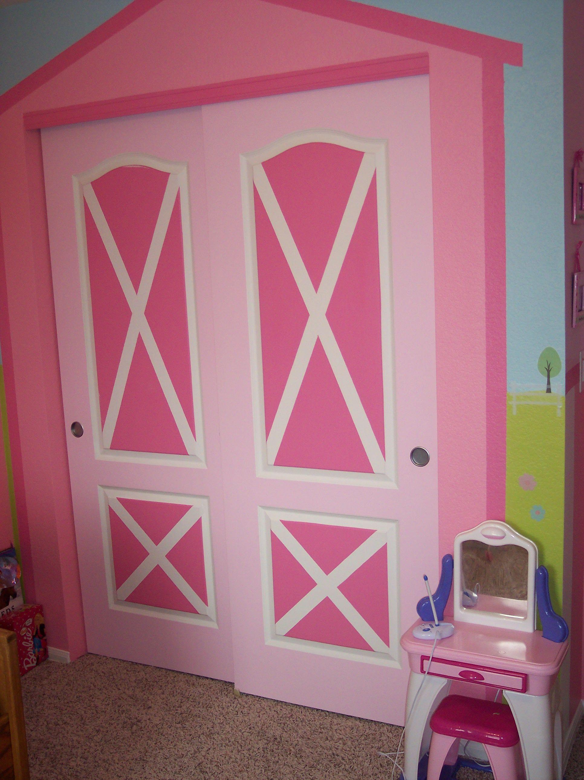 My Daughters Horse Themed Bedroom Barnyard Closet Doors
