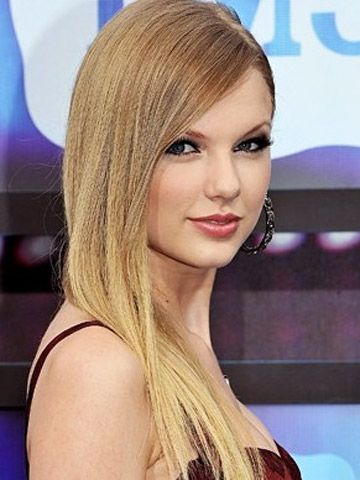 Taylor Swift With Long Straight Hair Beautiful Straight Hairstyles Long Straight Hair Hair Styles