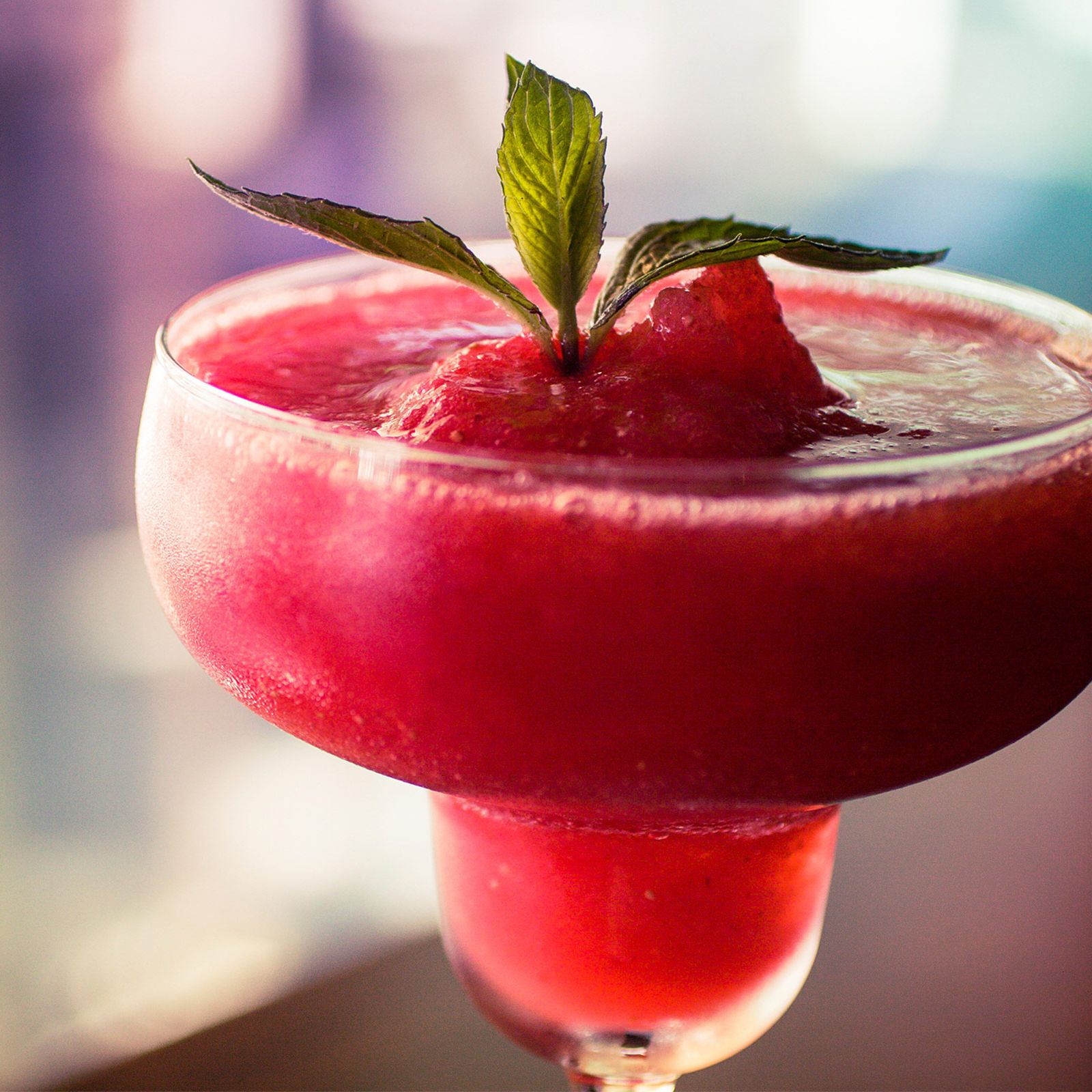8 fun and festive summer cocktails strawberry daiquiri