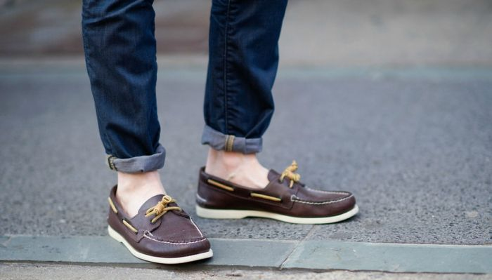 How to Wear Boat Shoes | Boats, Boat shoe and Manual