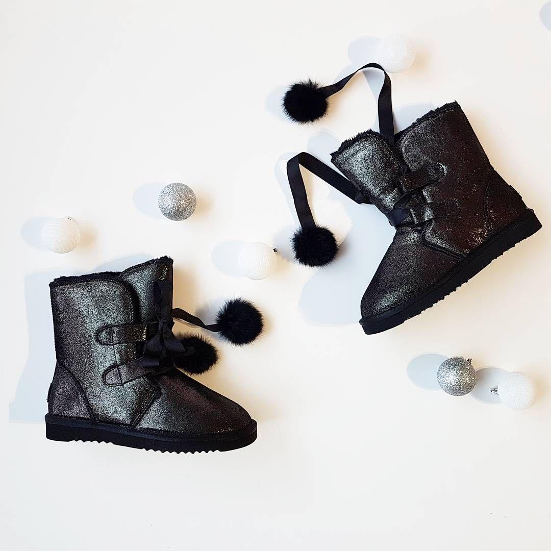 Venezia Propozycja Na Zimowe Sniezne Dni Venezia Shoes Gold Black Boots Leather Comfortable Winteroutfit Fashion Moda2017 Shoes Ankle Boot Boots