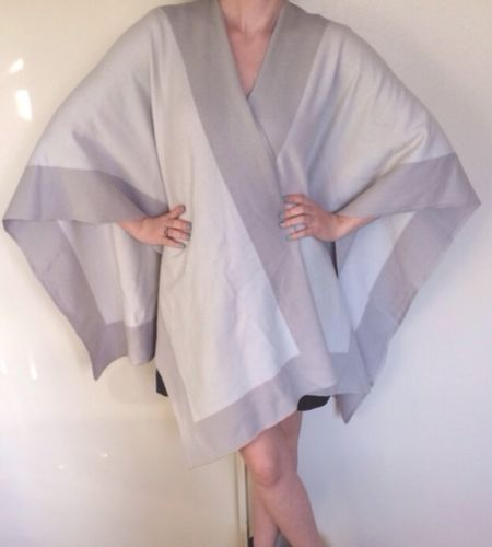 St John Collection Poncho | eBay #stjohn #stjohncollection #cashmere #cashmereponcho #poncho #stjohnponcho #womenswear #apparel #designer #fashion #consignment #womensaccessories #designeraccessories