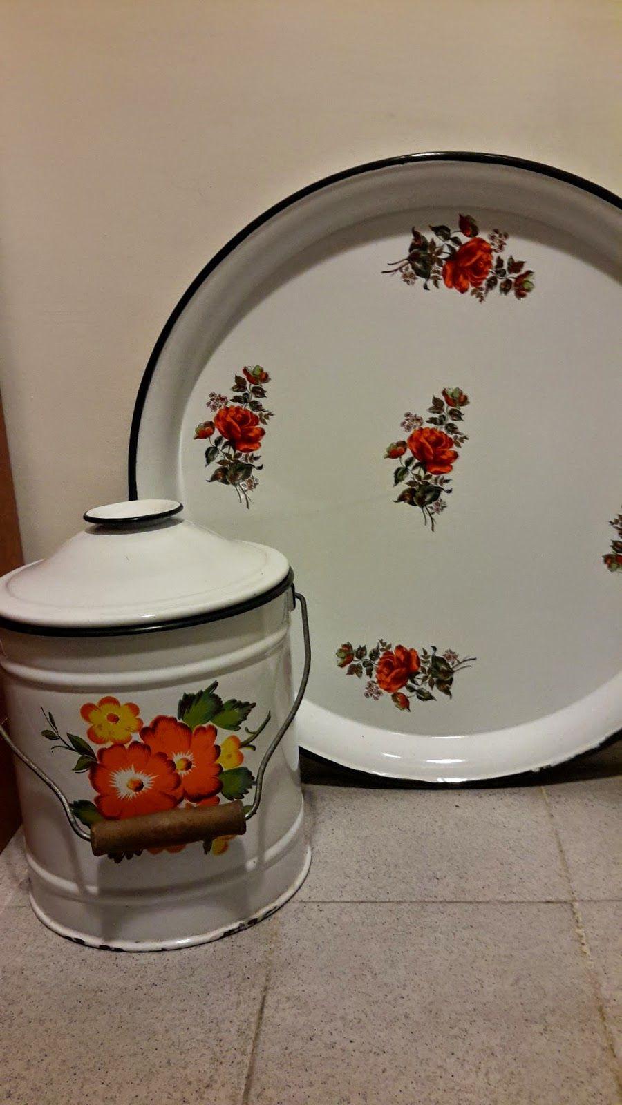 Derya kuzusu. Cookie jar and matching plate.