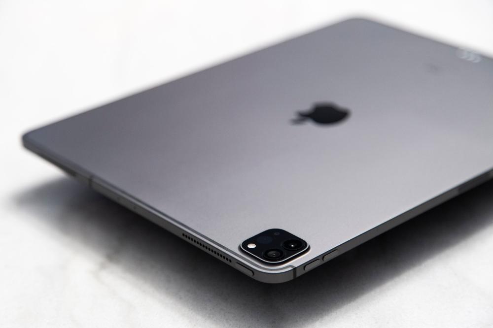 A Closer Look At The 2020 12 9 Ipad Pro Ipad Pro Iphone Latest Ipad