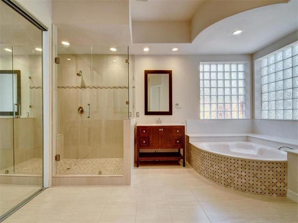 Walk-in shower, huge jacuzzi style bath tub and tile floors 6708 ...