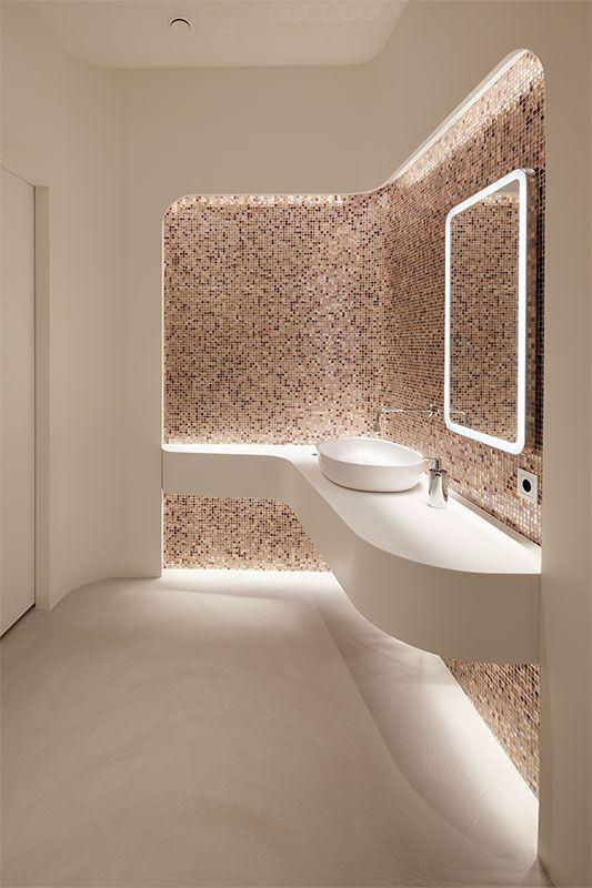 Interior Design München messe bavaria lounge sanitär damen mit feinstem mosaik tina