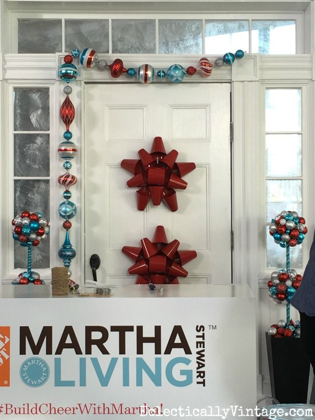 Use a giant red metal bow in place of a Christmas wreath on the front door! eclecticallyvintage.com & Creative Martha Stewart Christmas Decorating Ideas | Christmas ...