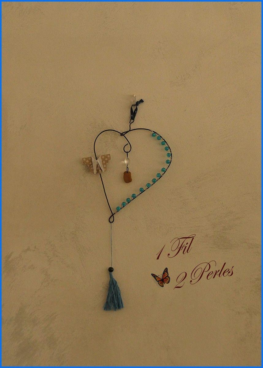 Suncatcher Coeur Perles Bleues et Pompon, Décoration Murale Mobile Attrape Soleil, Suspension Extérieur Intérieur Zen, Décoration Maison Bohème Anniversaire Mariage
