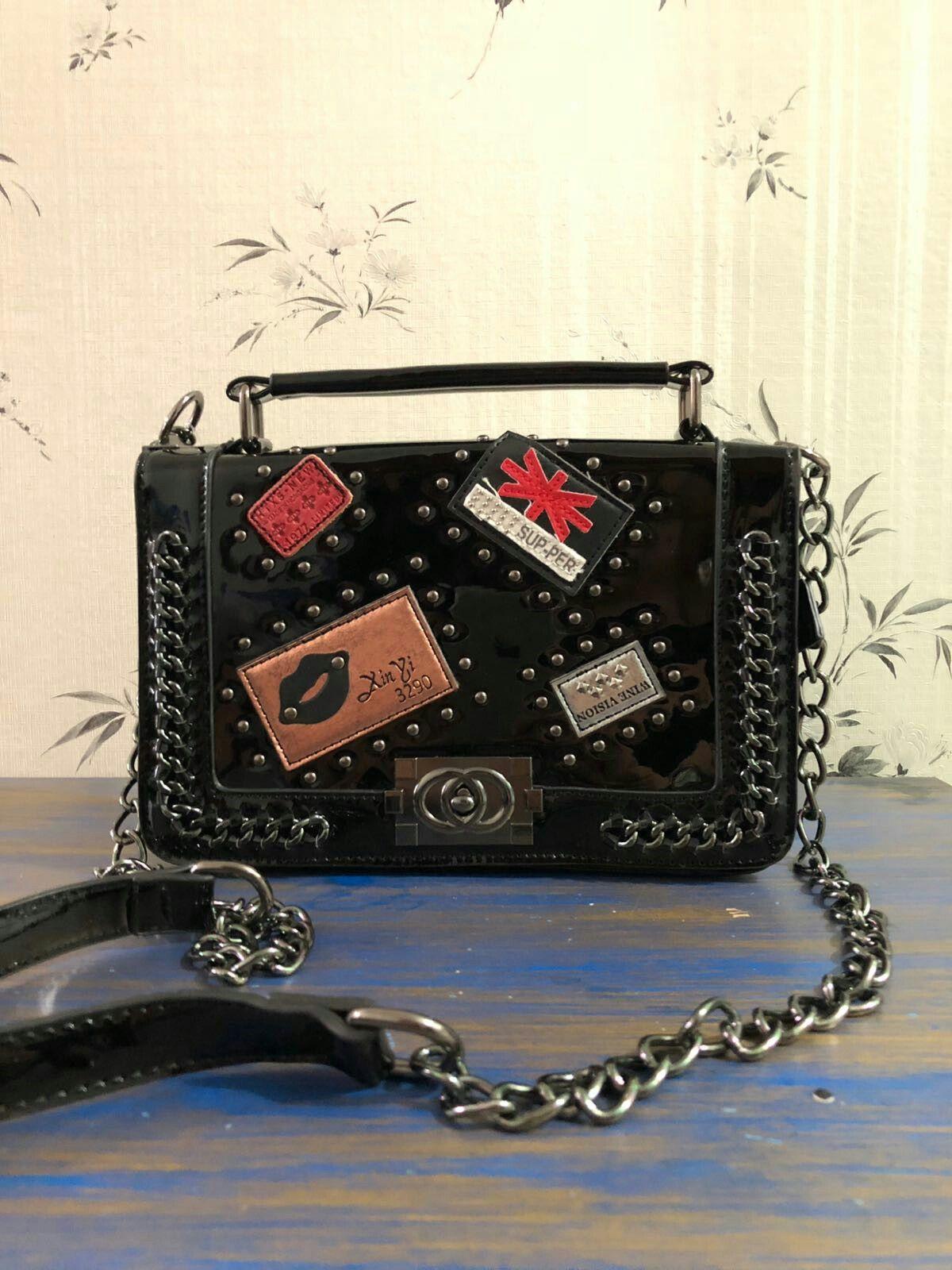 87be8c987 Bolsa alça de corrente em couro verniz. Réplica Chanel primeira linha Um  amor!