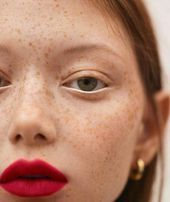Photo of BARE MINDS | Classic Red Lips This image has get 78 repins. Author: …